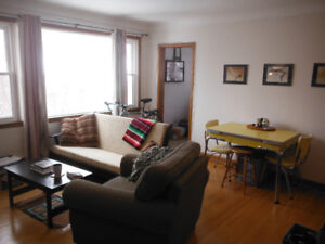 1 Bedroom Apt. near Queens U and Downtown, with FREE HEAT