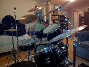 MUSIC STUDENTS and/or LOCAL MUSICIANS: Drumkit for sale