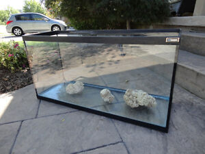 "Hagen Glass Aquarium or Terrarium 35 Gal -36""L x 12.5""W x18"""