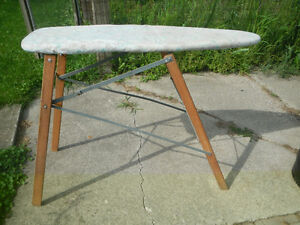 Ironing board London Ontario image 1