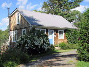 Award Winning Cottage-a must see in the city on Nashwaak River