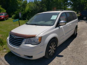 2008 CHRYSLER TOWN AND COUNTRY AS IS