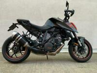 KTM 1290 Superduke R - KTM quickshifter and heated grips !!