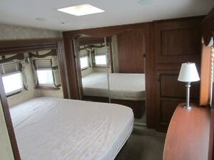2010 Jayco Eagle 313 RKS 5TH Wheel Travel Trailer **CLEAN UNIT** London Ontario image 4