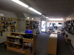 Cell Phone Store Closing - Showcases, Displays all for SALE