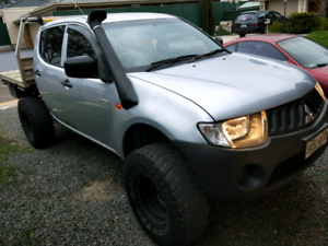 Mitsubishi Triton 2007 4x4 3.2ltr turbo diesel manual
