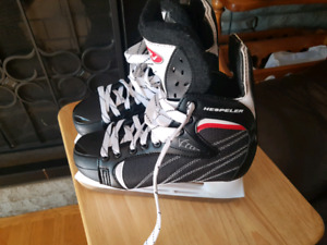 Youth Boys skates ( Brand new)2 pairs available