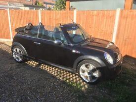 Mini Cooper 1.6 s black convertible
