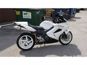 2009 vfr800 abs low kms rare colour - spotless!!!