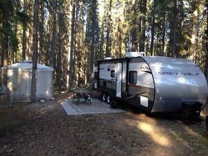 2013 Grey Wolf 28 Bh Leased lot.