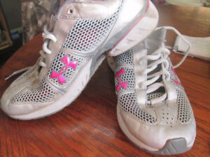 womens under armour sneakers reduced want gone $5