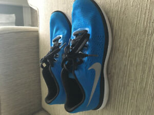 Boys Nike sneakers size 7