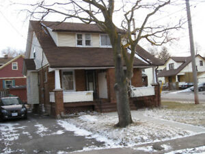 For Rent, 2- Bedrm duplex.. Niagara Falls