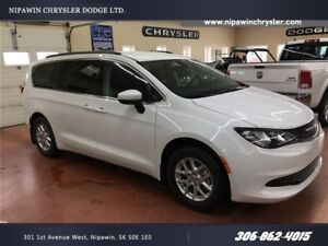 2017 Chrysler Pacifica LX MANAGER DEMO  SAVE THOUSANDS FROM NEW!