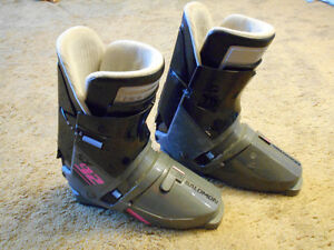 Salomon SX 92 Ski Boot