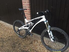 Whyte 146S Carbon Fibre Full Suspension Mountain Bike