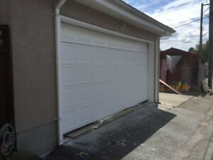 EXCELLENT CONDITION 2 CAR GARAGE DOOR WITH MOTOR