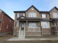 Beautiful 4br end unit townhome in East Markham Cornell Village