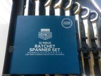 Halfords 12 piece ratchet spanner set brand new
