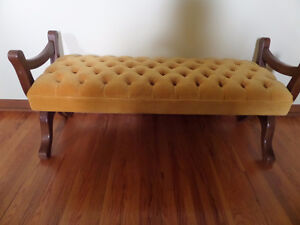 settee or bench