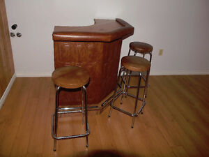 SOLD  Portable bar and 3 stools