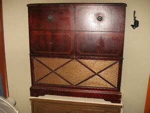 Antique radio with record player Peterborough Peterborough Area image 1