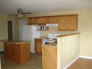 2 bedroom apartment available Feb 1st