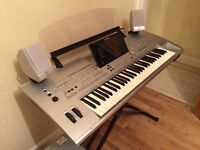 YAMAHA TYROS 1 KEYBOARD FULLY WORKING AND EXCELENT CONDITION FULL COMPLETE ONLY £525 O.N.O
