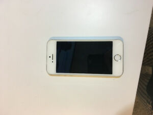 White Iphone 5s locked to bell