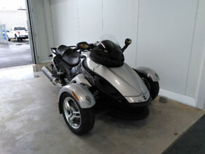 CAN-AM SPYDER 2009 *VENTE FIN DE SAISON*