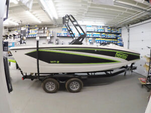 END OF SUMMER BLOWOUT ON NOW! Heyday Wake Surf Boats!