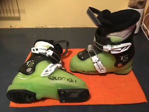 T2-Salomon kids boot size 18/19.5