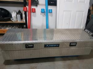 Lund flush mount tool box