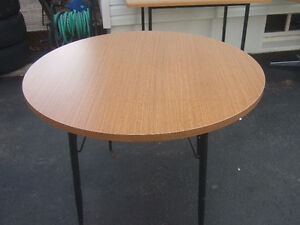 42'' round table $15