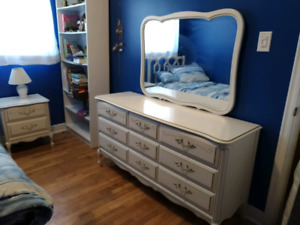 Complete twin bedroom set - NEW PRICE