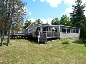 Winterized  Cottage & 3 Cabins On Secluded Lake in Temagami