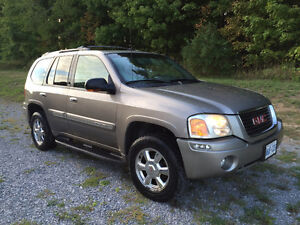 2003 GMC Envoy SLT excellent condition