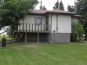 Beautiful acreage east of Olds, 2.53 acres