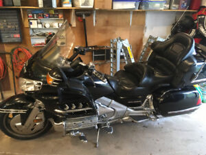 2001 Honda Gold wing with lots of chrome