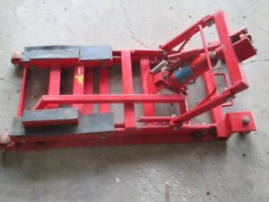 Hydraulic ATV lift