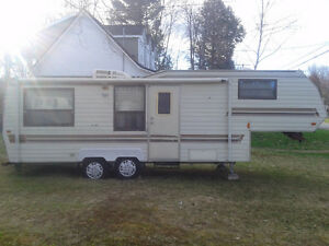 Roulotte Fifth wheel Bonaire 1991 Négociable !