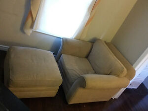 selling cushioned chair with padded foot rest $20 OBO
