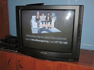 """PANASONIC GAOO 32"""" TELEVISION EXCELLENT CONDITION"""