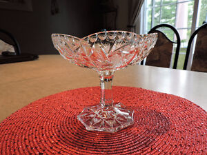Bonbonnière ovale en verre taillé-Pinwheel
