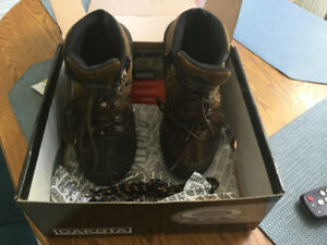 Men's Dakota hiking boots
