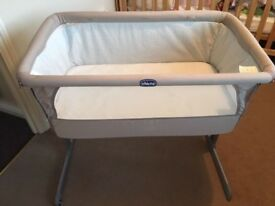Chicco next 2 me crib, excellent condition, looks brand new – grey
