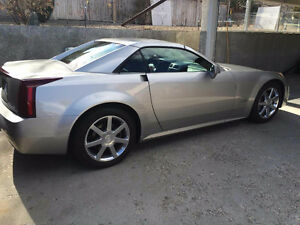2005 Cadillac XLR Coupe (2 door)