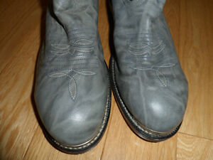 """New"" Western Leather Steel Toed Boot London Ontario image 2"