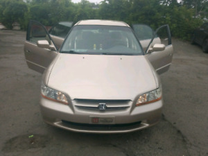 Suuuper clean Honda Accord 2000, must see!!!!!