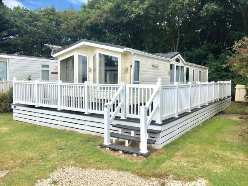 Static Caravan Nr Fareham Hampshire 3 Bedrooms 8 Berth Willerby Meridian Lodge